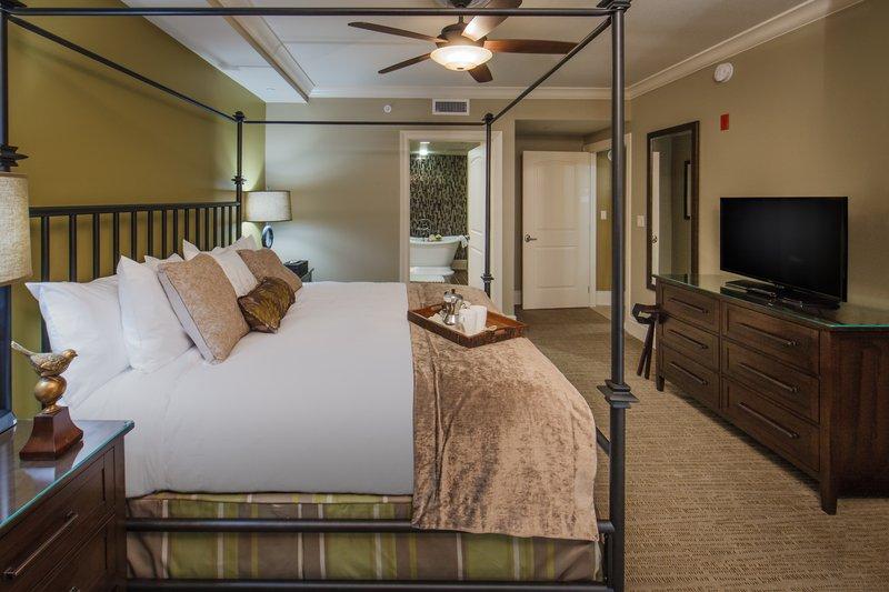 Holiday Inn Club Vacations Gatlinburg-Smoky Mountain Resort-Beautiful Signature Collection master bedroom<br/>Image from Leonardo