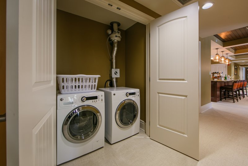 Holiday Inn Club Vacations Gatlinburg-Smoky Mountain Resort-Enjoy the convenience of a Signature Collection washer and dryer <br/>Image from Leonardo