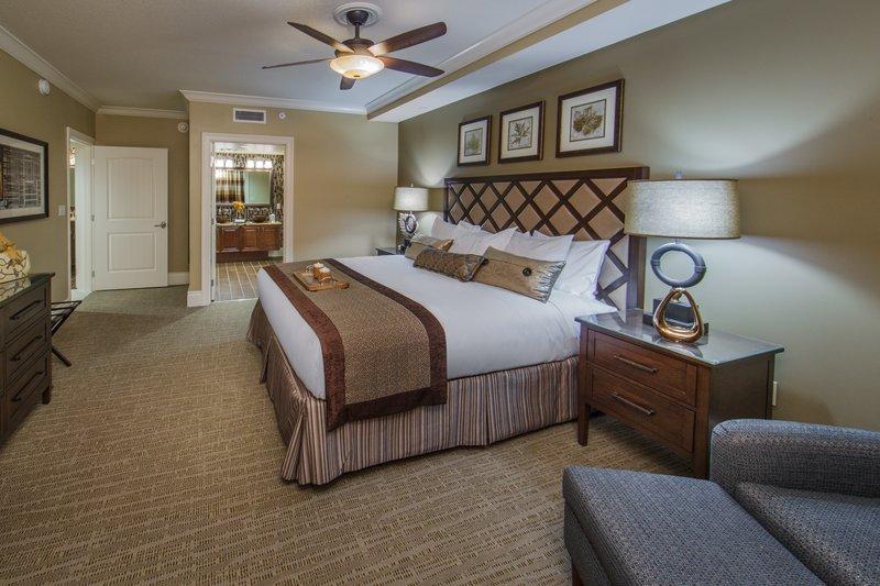 Holiday Inn Club Vacations Gatlinburg-Smoky Mountain Resort-Luxurious Signature Collection bedroom<br/>Image from Leonardo