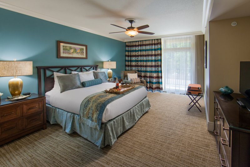 Holiday Inn Club Vacations Gatlinburg-Smoky Mountain Resort-Relax in the spacious guest room from our Signature Collection<br/>Image from Leonardo