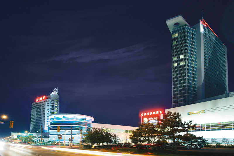 Holiday Inn Hotel & Suites Windsor (Ambassador Bridge)-Caesars Windsor is only 6 kilometres away!<br/>Image from Leonardo