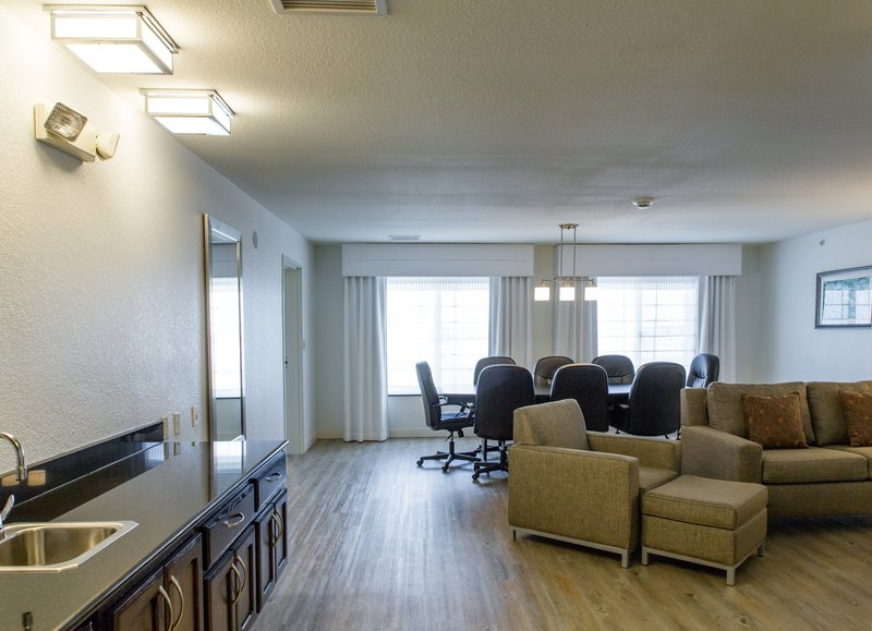 Holiday Inn Hotel & Suites Bloomington - Airport-Conference suite has counter space incl microwave and refrigerator<br/>Image from Leonardo