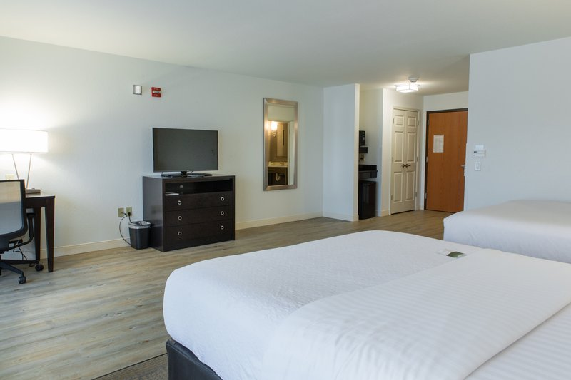 Holiday Inn Hotel & Suites Bloomington - Airport-Our ADA , two queen guest room with 43