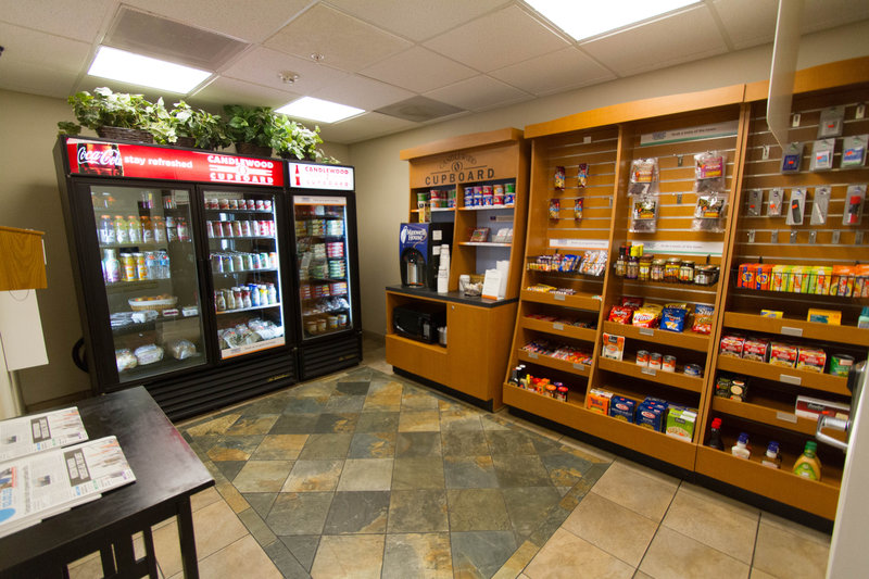 Candlewood Suites Santa Maria-Candlewood Cupboard open 24/7 featuring snacks, meals & beverages<br/>Image from Leonardo