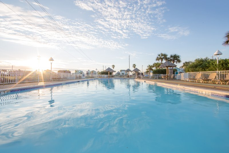 Holiday Inn Club Vacations Galveston Beach Resort-Enjoy the outdoor swimming pool<br/>Image from Leonardo
