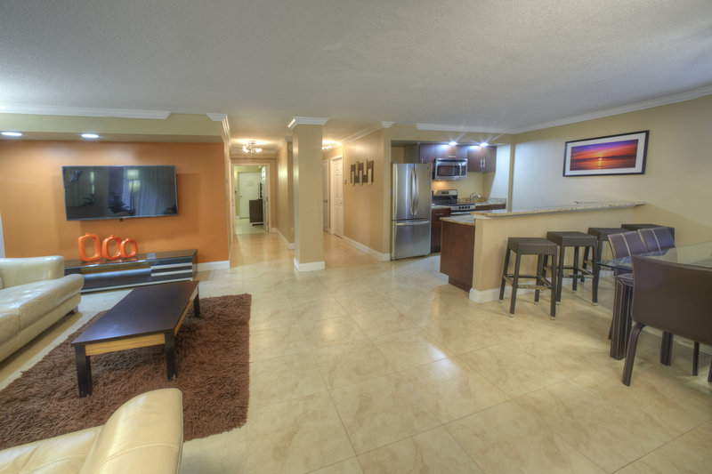 Holiday Inn Resort Daytona Beach Oceanfront-Open View of the Seabreeze Suite<br/>Image from Leonardo