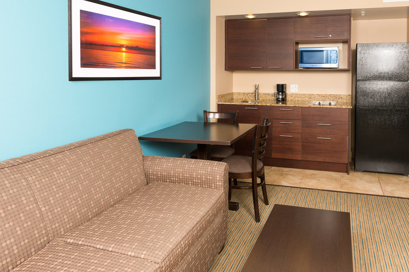 Holiday Inn Resort Daytona Beach Oceanfront-Enjoy a full kitchen and living area in our oceanfront suites<br/>Image from Leonardo