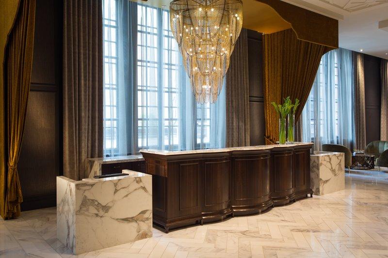 Hotel Allegro; A Kimpton Hotel - Front Desk <br/>Image from Leonardo