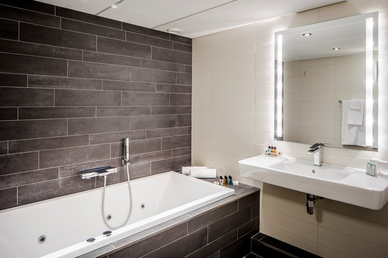 Holiday Inn Eindhoven-Executive Suite - Whirlpool<br/>Image from Leonardo