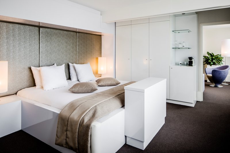 Holiday Inn Eindhoven-Presidential Suite - Bedroom<br/>Image from Leonardo
