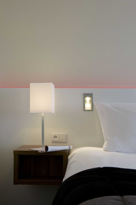 Holiday Inn Eindhoven-Standard Room - Twin or King<br/>Image from Leonardo