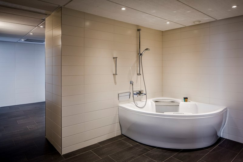 Holiday Inn Eindhoven-Presidential suite - Jacuzzi<br/>Image from Leonardo