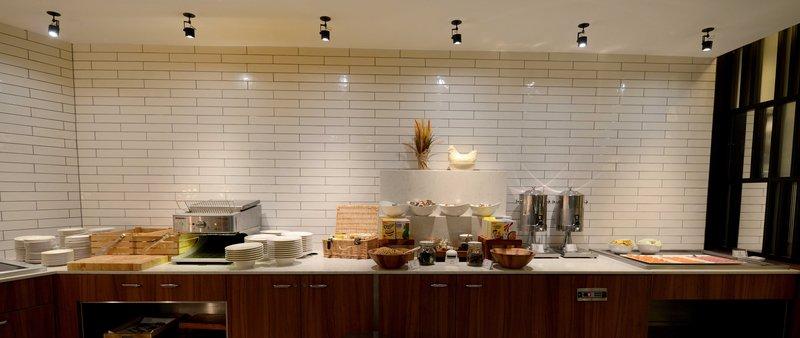 Crowne Plaza Newcastle - Stephenson Quarter-Breakfast Area<br/>Image from Leonardo