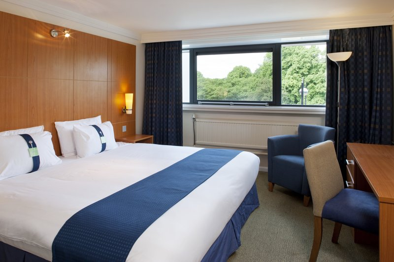 Holiday Inn Cardiff City Centre-King Bed Guest Room<br/>Image from Leonardo