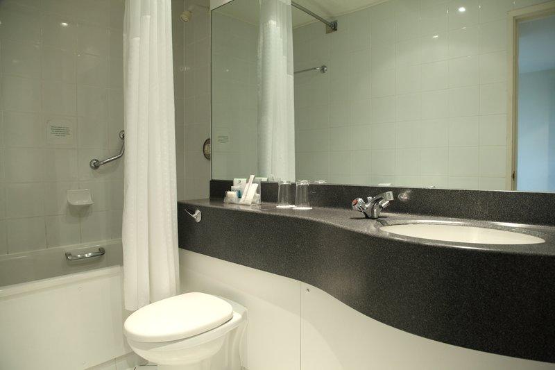 Holiday Inn Cardiff City Centre-Guest Bathroom<br/>Image from Leonardo
