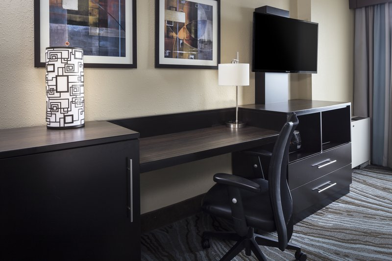 Holiday Inn Rock Island - Quad Cities-Be productive in the comfort of your room with a large work desk.<br/>Image from Leonardo
