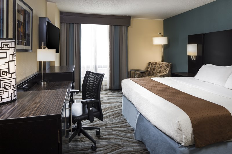 Holiday Inn Rock Island - Quad Cities-Wake up renewed after a comfortable nights sleep in our king room<br/>Image from Leonardo