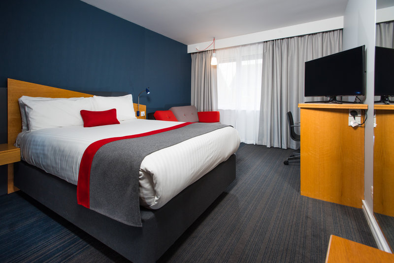 Holiday Inn Express Peterborough-Surf the free Wi-Fi from the comfort of your bedroom.<br/>Image from Leonardo