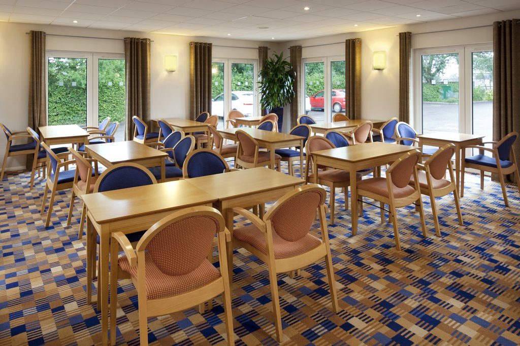 Holiday Inn Express Peterborough-Enjoy an ice cold drink in our Great Room<br/>Image from Leonardo