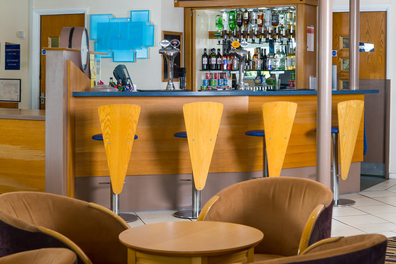 Holiday Inn Express Peterborough-Glass of wine or a pint? Refresh yourself at our licensed bar<br/>Image from Leonardo