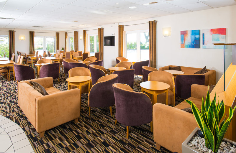 Holiday Inn Express Peterborough-Enjoy a coffee in our comfortable Great Room<br/>Image from Leonardo