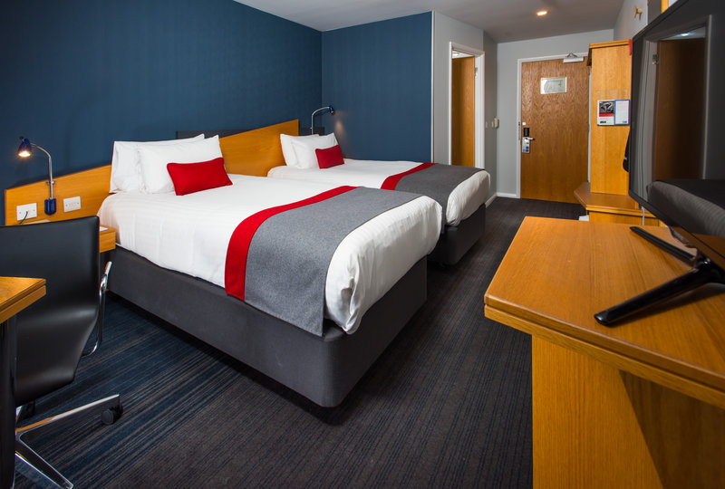 Holiday Inn Express Peterborough-Customise your bed with a choice of soft and firm pillows<br/>Image from Leonardo