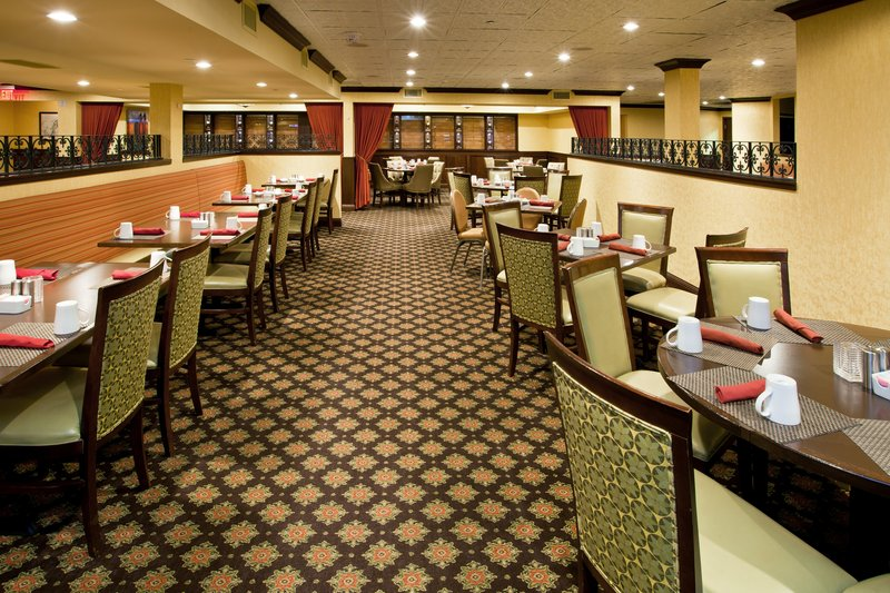 Crowne Plaza Louisville Airport Expo Center-Blue Horse Restaurant, American Style Cuisine <br/>Image from Leonardo