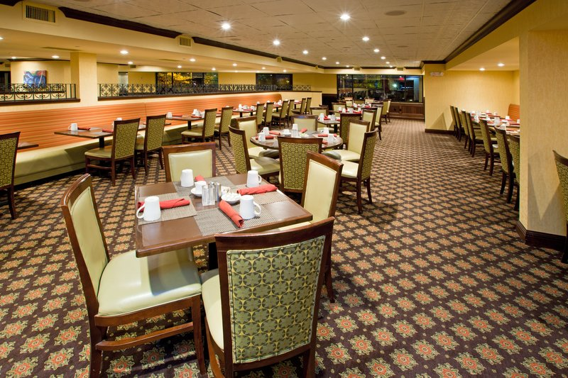 Crowne Plaza Louisville Airport Expo Center-Louisville Airport Hotel Blue Horse Restaurant<br/>Image from Leonardo