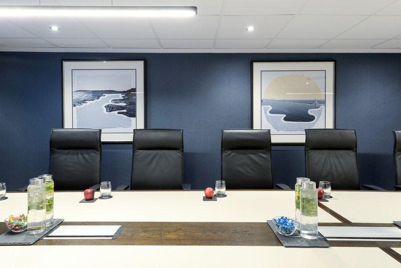 Crowne Plaza Plymouth-Boardroom<br/>Image from Leonardo