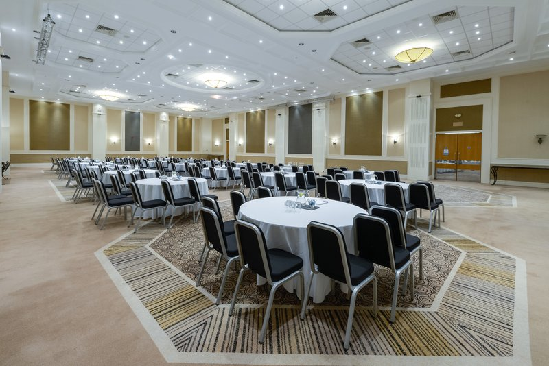 Crowne Plaza Plymouth-Ideal for exhibitions, large business and social events<br/>Image from Leonardo
