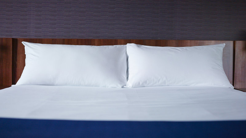 Holiday Inn Express Norwich-Guest Room<br/>Image from Leonardo