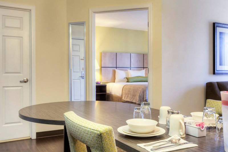 Candlewood Suites Mooresville/Lake Norman-One Bedroom Suite with additional dining area perfect for families<br/>Image from Leonardo