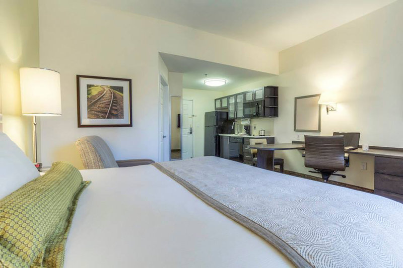 Candlewood Suites Mooresville/Lake Norman-King Studio Suite with all the luxuries of a full kitchenette<br/>Image from Leonardo