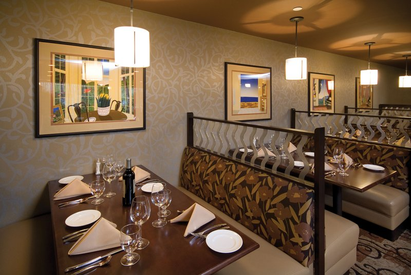 Crowne Plaza Indianapolis - Airport-Order the best-selling dish at The Landing Restaurant.<br/>Image from Leonardo