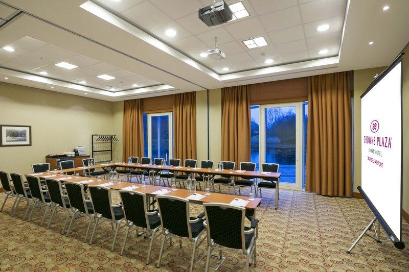 Crowne Plaza Brussels Airport-Meeting Room<br/>Image from Leonardo