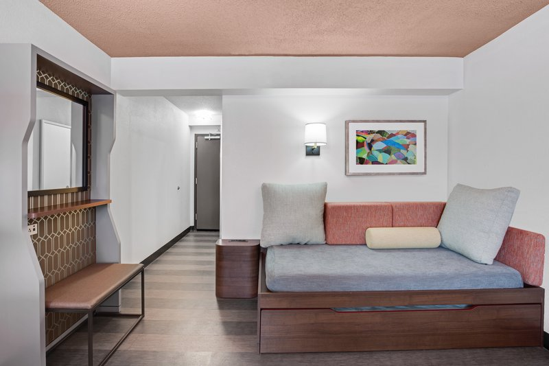 Holiday Inn Roanoke - Valley View-Space for an extra guest in our King Room<br/>Image from Leonardo