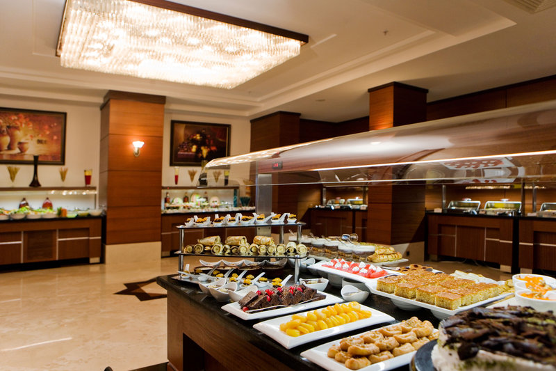 Crowne Plaza Antalya-Open buffet dinner with variety of desserts<br/>Image from Leonardo
