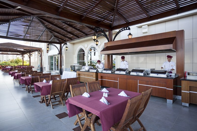 Crowne Plaza Antalya-Breakfast Area<br/>Image from Leonardo