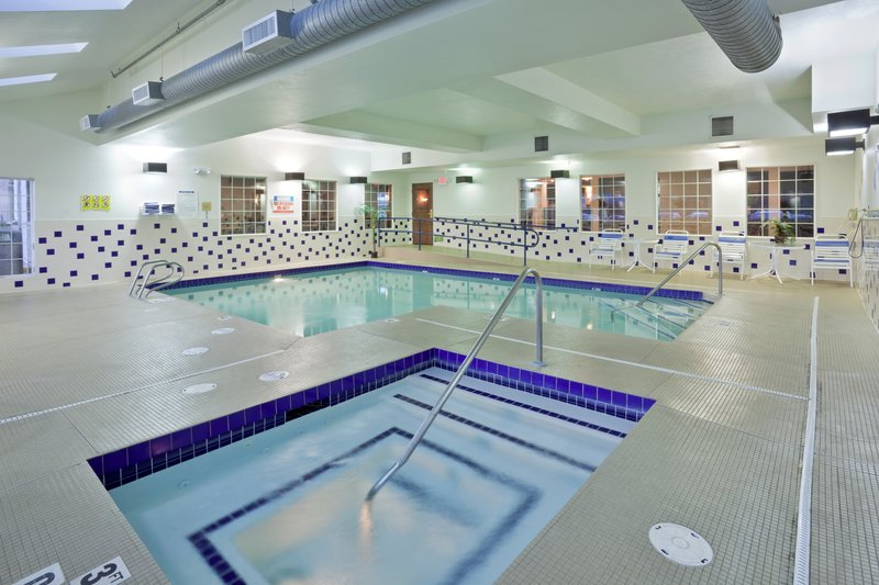 Holiday Inn Express Wenatchee-Swimming Pool<br/>Image from Leonardo