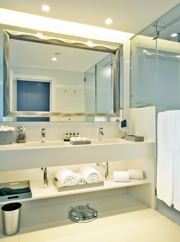 Intercontinental Estoril-Bathroom Amenities<br/>Image from Leonardo
