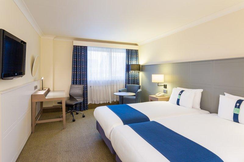 Holiday Inn Cambridge-Spacious Two Twin Nonsmoking Room<br/>Image from Leonardo