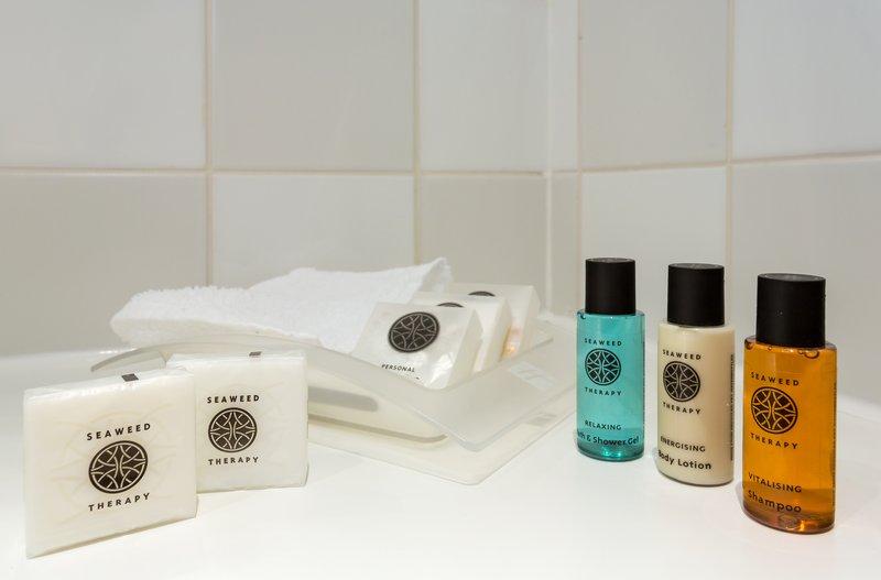 Holiday Inn Cambridge-Executive Bath Amenities<br/>Image from Leonardo