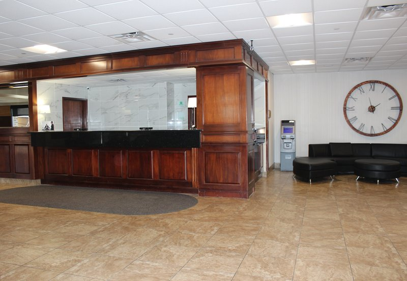 Holiday Inn Des Moines - Airport / Conf Ctr-Front Desk<br/>Image from Leonardo