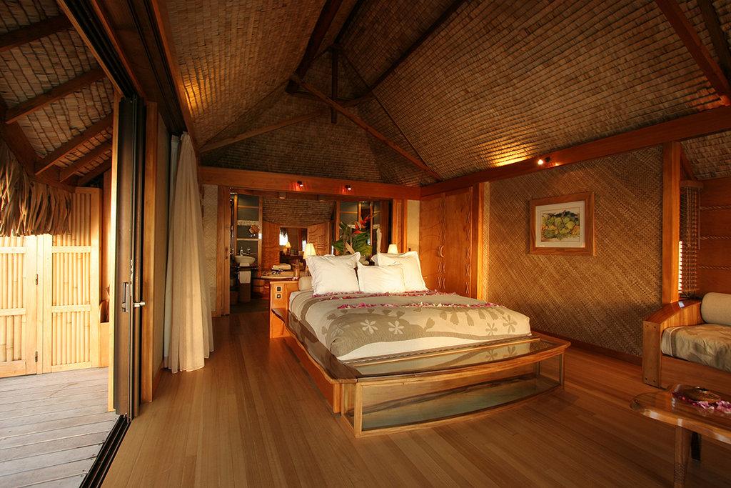 Le Taha'a Island Resort & Spa - Tahaa Overwater Suite <br/>Image from Leonardo