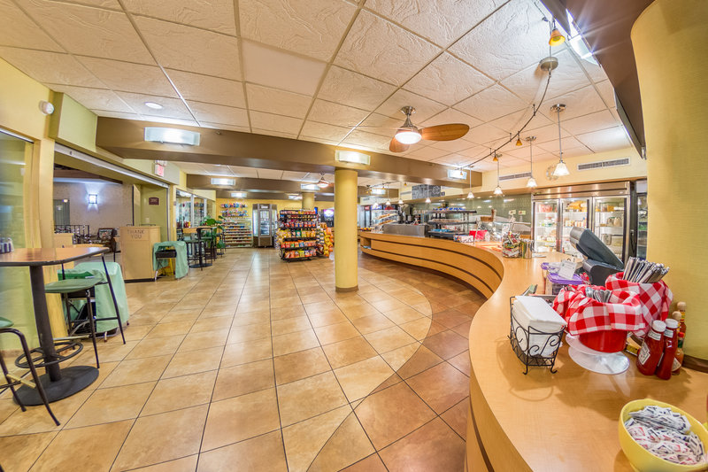 Holiday Inn Des Moines - Airport / Conf Ctr-Restaurant<br/>Image from Leonardo