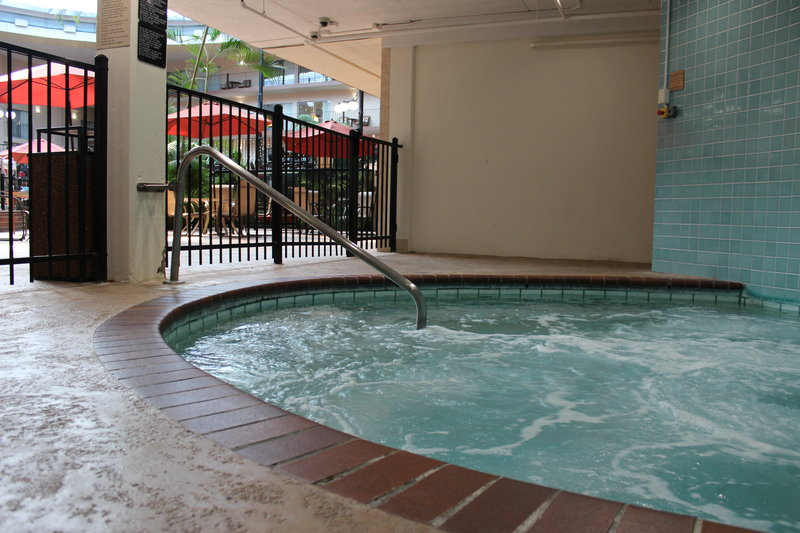 Holiday Inn Des Moines - Airport / Conf Ctr-Whirlpool<br/>Image from Leonardo