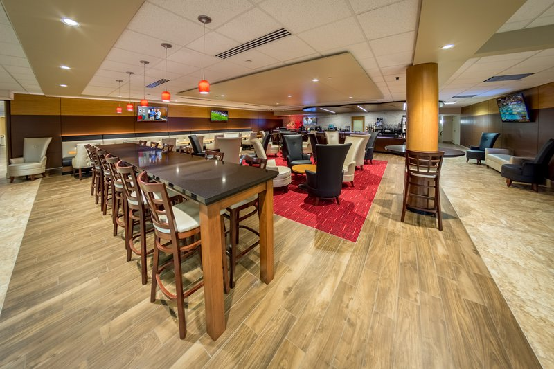 Holiday Inn Des Moines - Airport / Conf Ctr-Bar and Lounge<br/>Image from Leonardo
