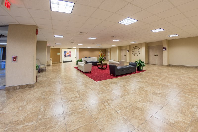 Holiday Inn Des Moines - Airport / Conf Ctr-Pre-function Area<br/>Image from Leonardo