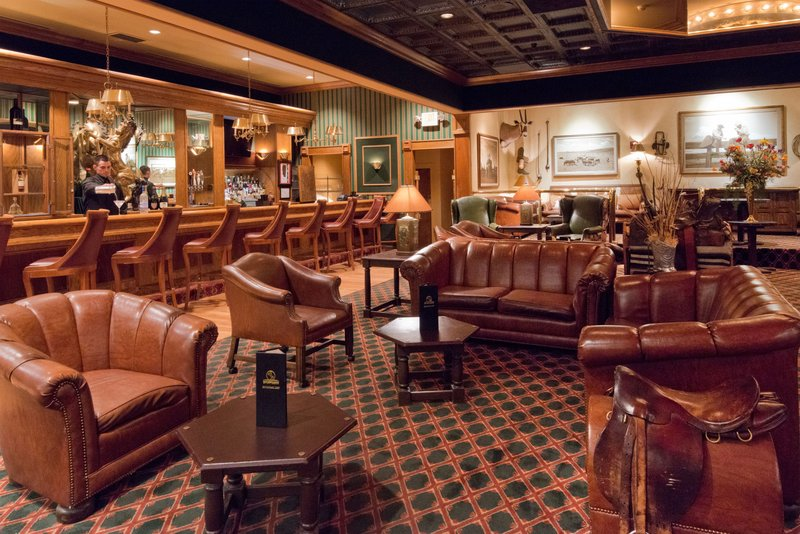 Crowne Plaza Albuquerque-Enjoy a cocktail in the Bar Lounge<br/>Image from Leonardo