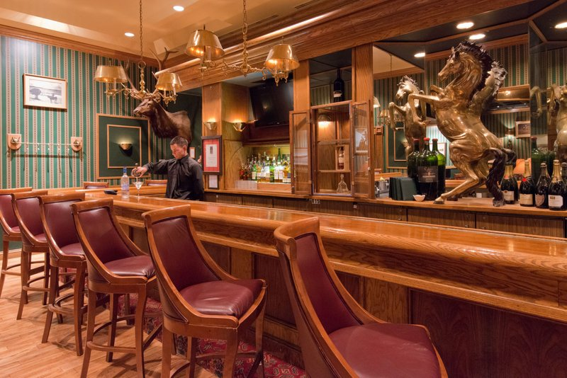 Crowne Plaza Albuquerque-Enjoy Happy Hour at the Cantina Bar<br/>Image from Leonardo